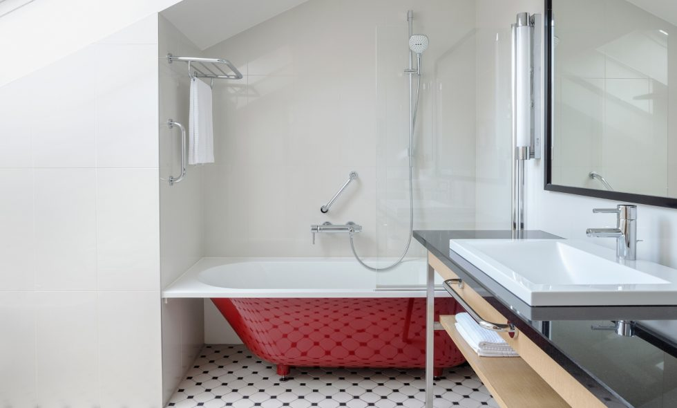 Bathroom 608 H