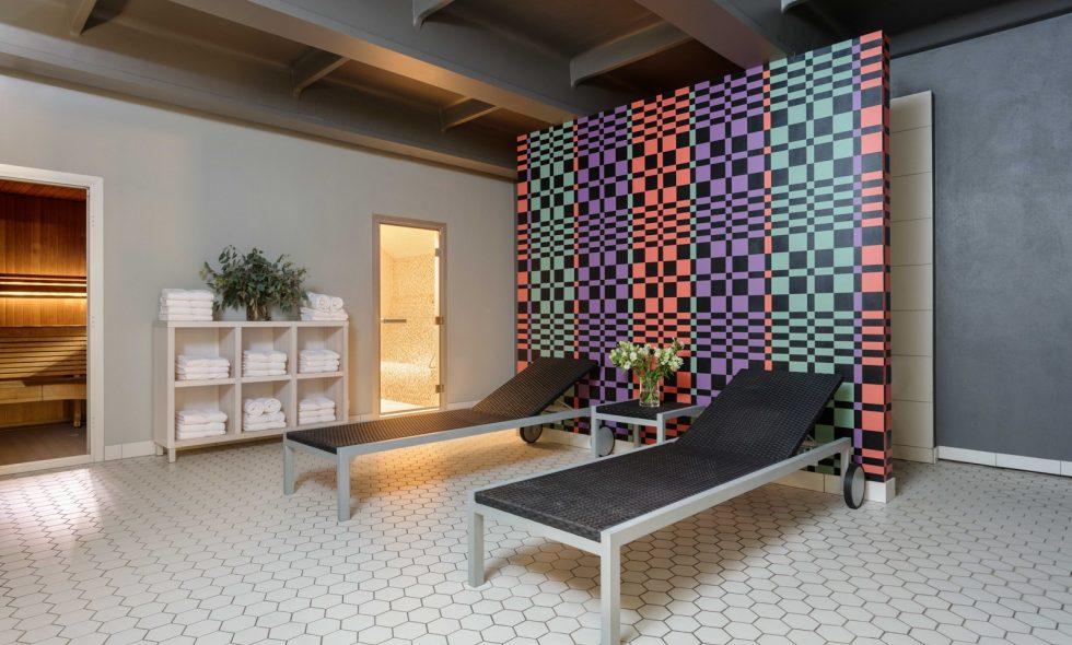 В спа-центре гостиницы Neiburgs – турецкая баня и сауна, приятное освещение