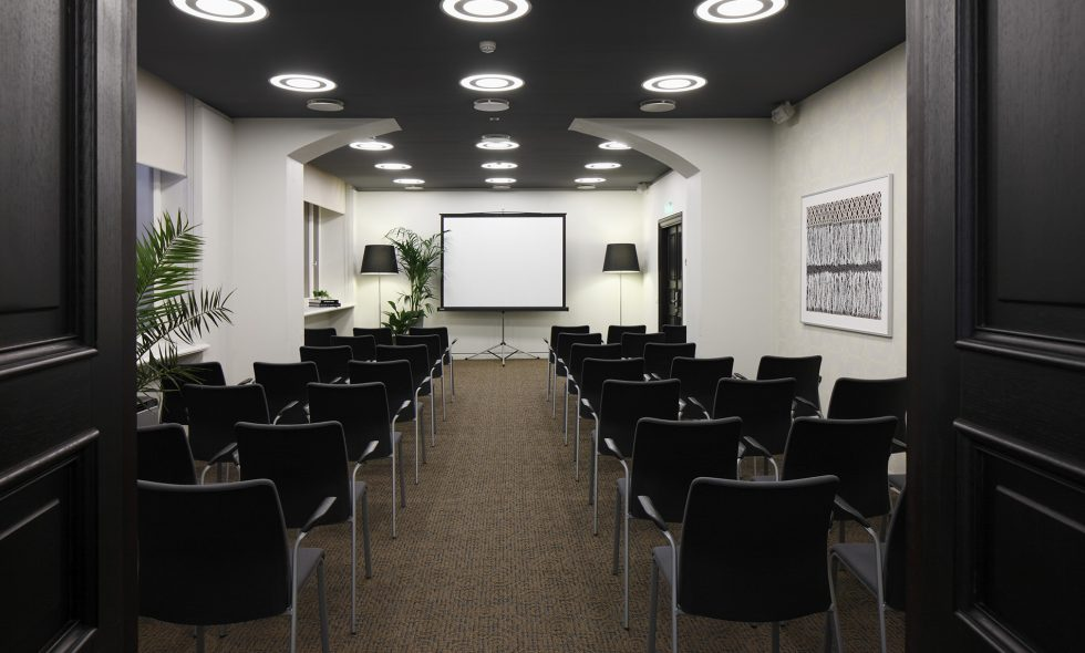 Conference hall with complete technical equipment and adjustable lighting