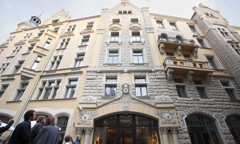 The opulent Art Nouveau facade of Hotel Neiburgs is a tourist